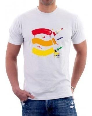 camiseta tintas e pincel