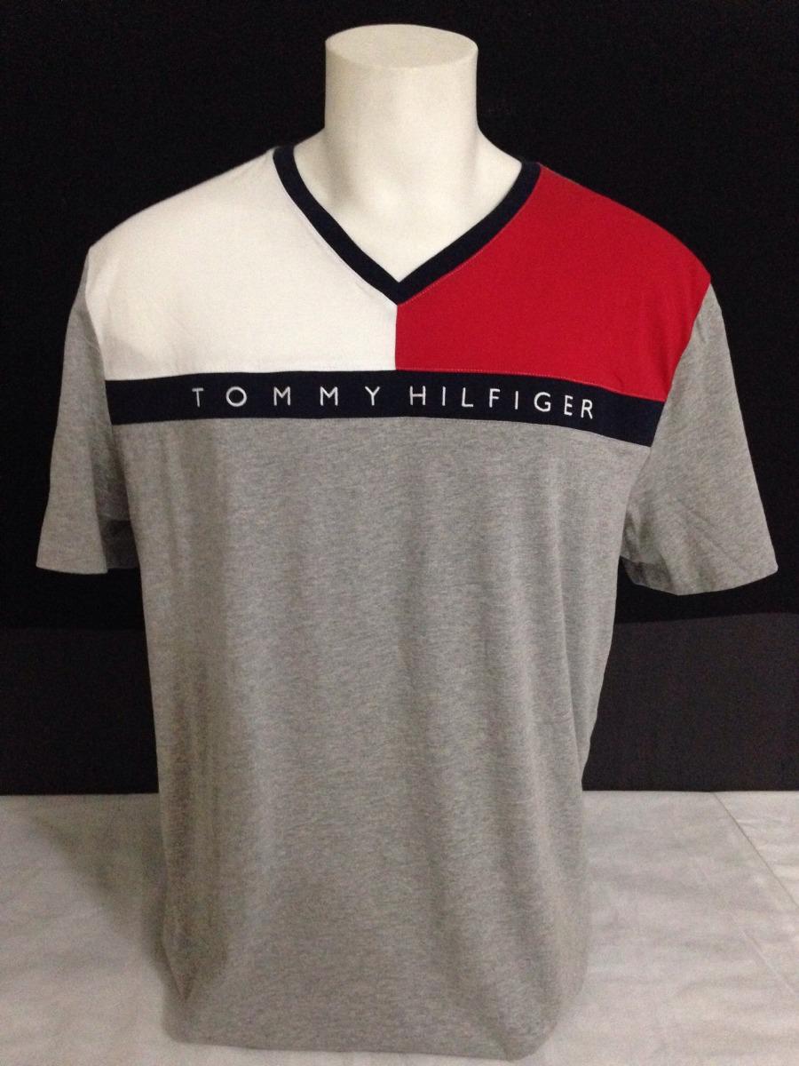 6664f0a73607 Camiseta Tommy Hilfiger Gola V - R$ 160,00 em Mercado Livre