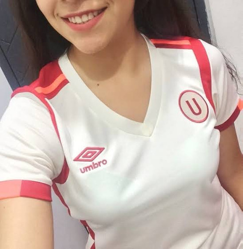 camiseta univeristario deportes para mujer umbro