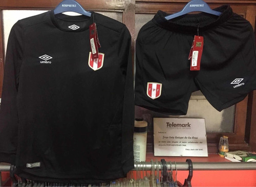 camiseta y short arquero umbro original niños