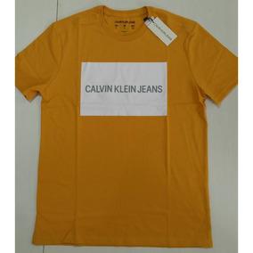 76a2e80e96f9a Camisetas Calvin Klein - Camisetas Manga Curta para Masculino no ...