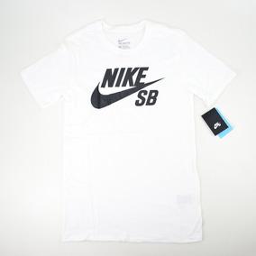 cad16732c0789 Camiseta Nike Sb Logo Branco · R  99 90