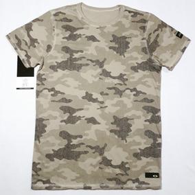 Camiseta Oakley Original Dupla Face Terrain Camo (com Nota) 79e1b0ecd493c