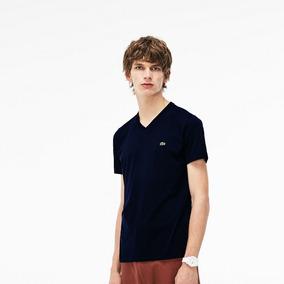59485f007efcc Camiseta Lacoste Gola V - Camisetas e Blusas no Mercado Livre Brasil