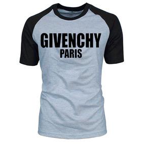 278d5fda852 Givenchy Paris Camiseta - Calçados