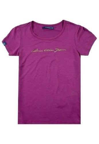 d15012de8b Kit 5 Camisetas Calvin Klein Feminina Viscose Manga Curta - R  149 ...