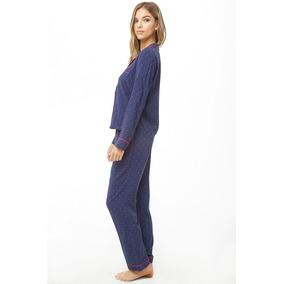 adec6e73ed Forever 21 Pijama Blusa Pantalon Azul Marino Flores Rojas S
