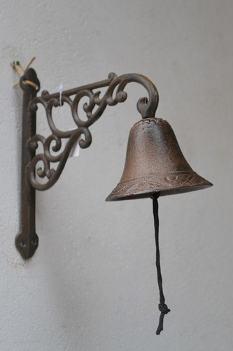 campana llamador de fundición estilo antiguo figura de gallo