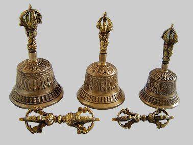 campana tibetana chica , unica con aleacion de 7 metales