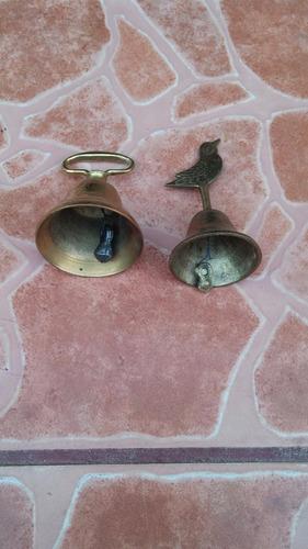 campanitas de bronce precio x 2 miden 8 y 10  cms de alto¡¡¡