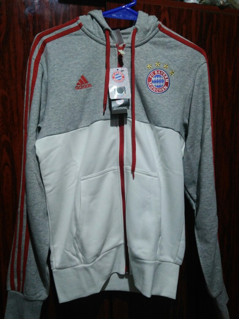 ae6604973 Campera Bayern Munich - $ 1.399,00 en Mercado Libre