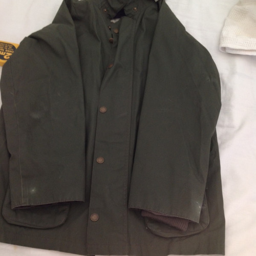 campera color verd oscuro marca kevingston - talle  1capucha