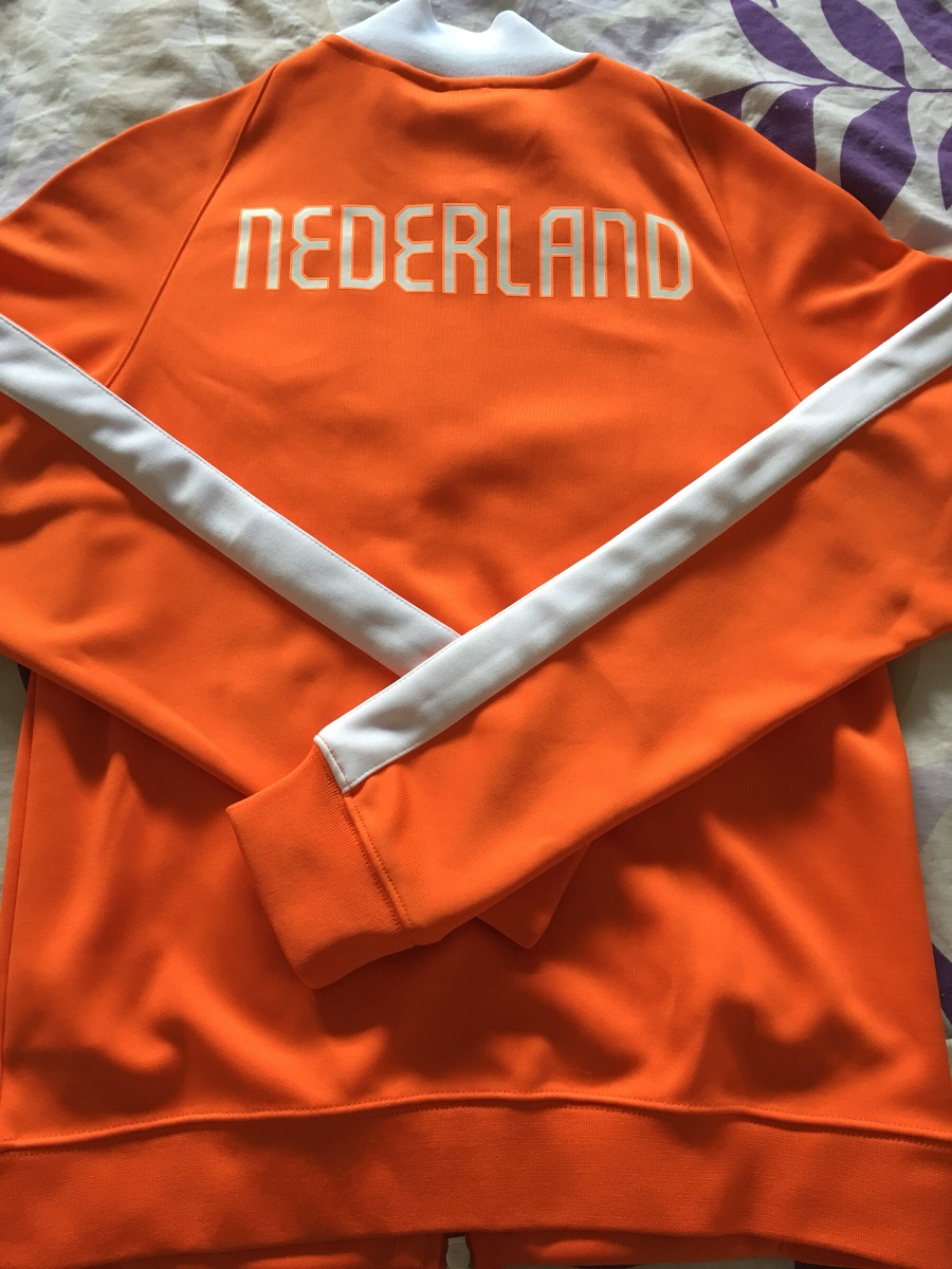 c002f7dc825 Campera Original Nike Holanda Talle S Nueva Importada - $ 1.300,00 ...