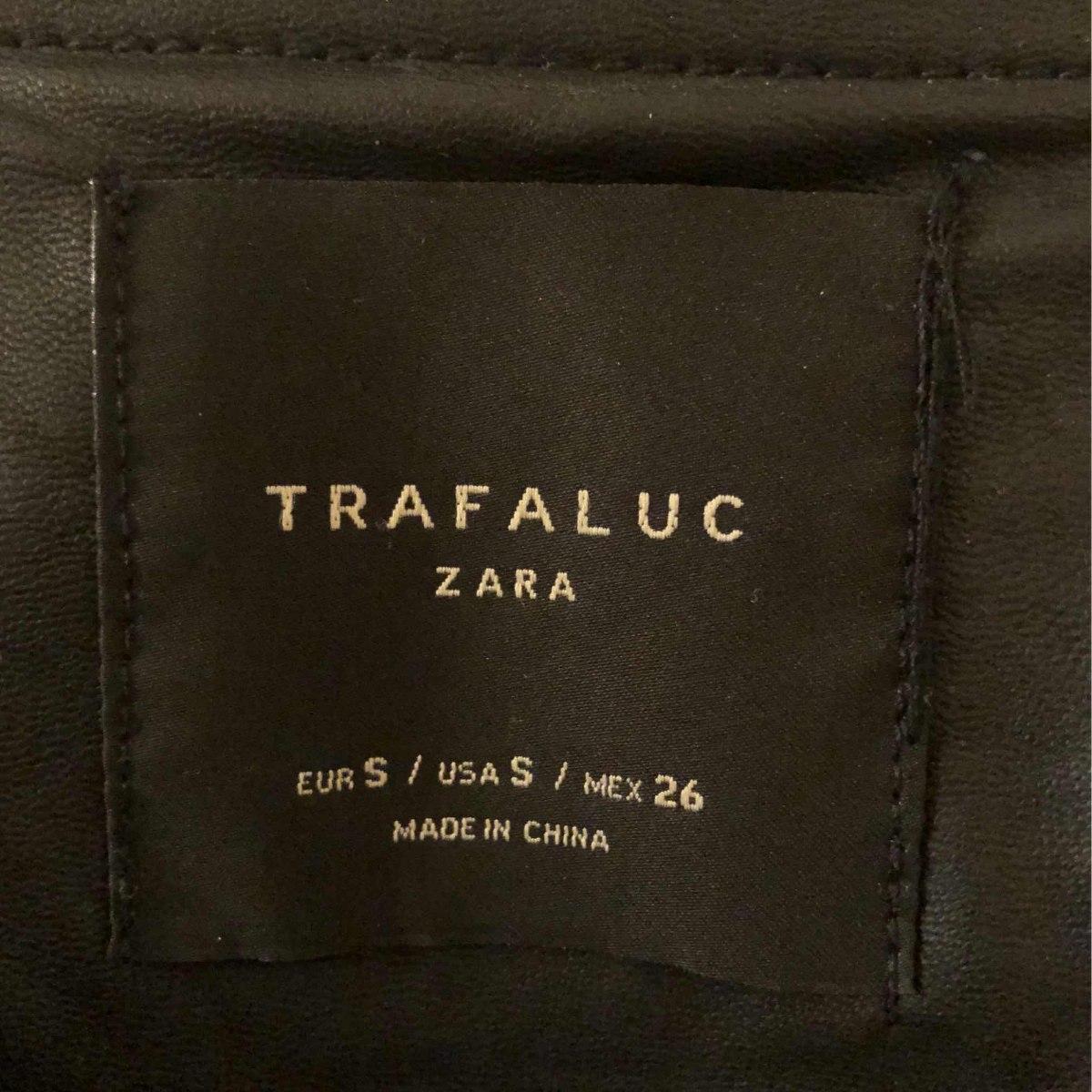 Campera Tipo Cuero Zara Combinada $ 2.750,00