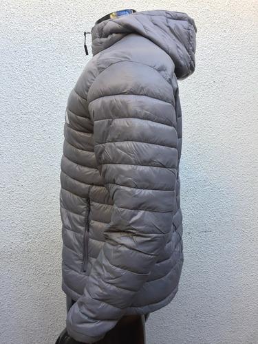 campera ultra liviana hombre con capucha