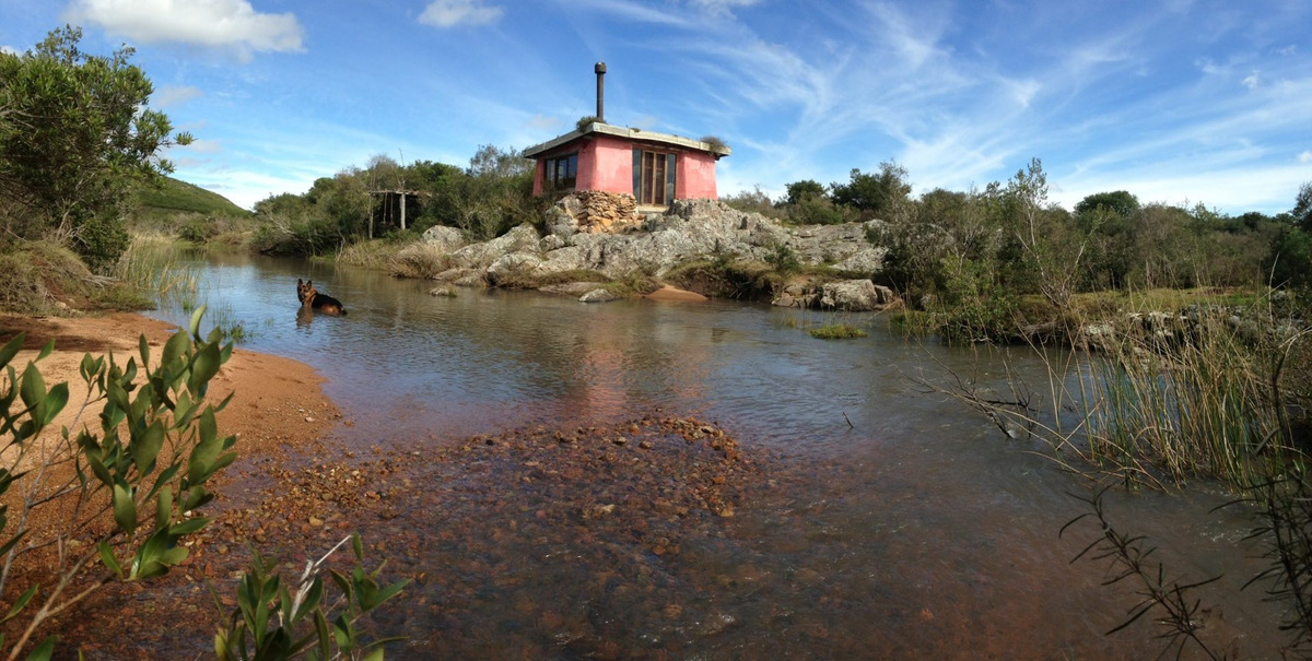 campo en lavalleja, arroyo, cerros, cerca del mar