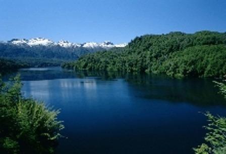 campo en venta en corcovado con río y lago