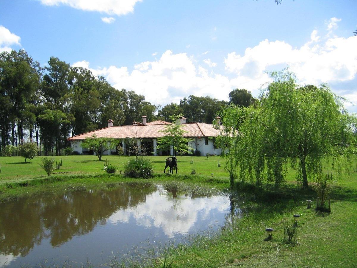 campo forestal-ganadero con estancia turística con aguadas