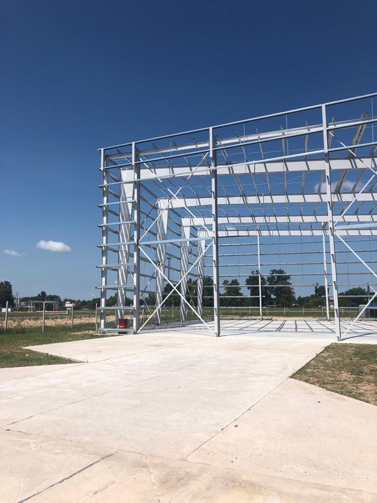 campo industrial a metros de acceso oeste