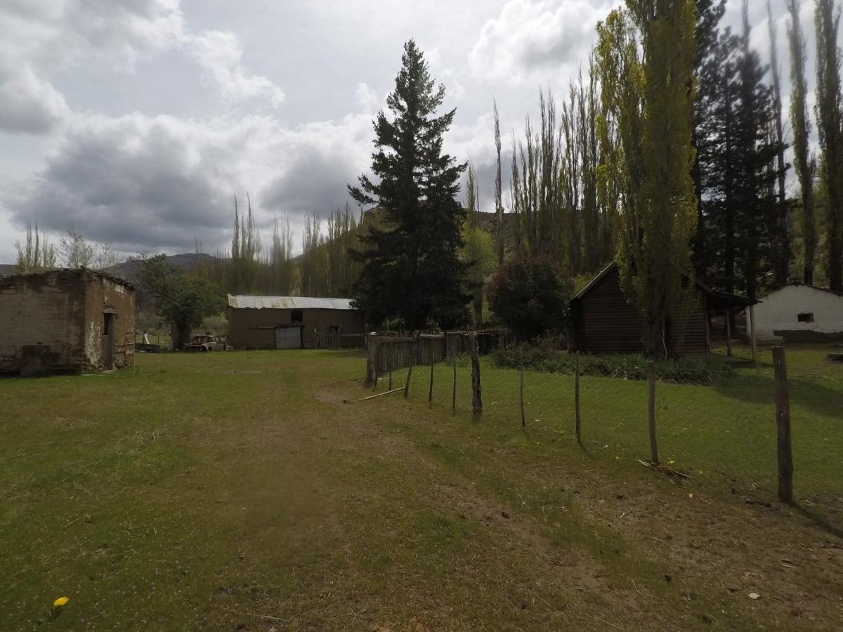 campo naciente del rio chubut, el maiten