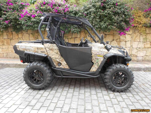 can am  commander xt