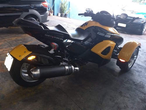 can-am spyder bombardier