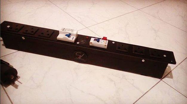 Circuito Zapatilla Electrica : Canal de tension con disyuntor y termica zapatilla electrica