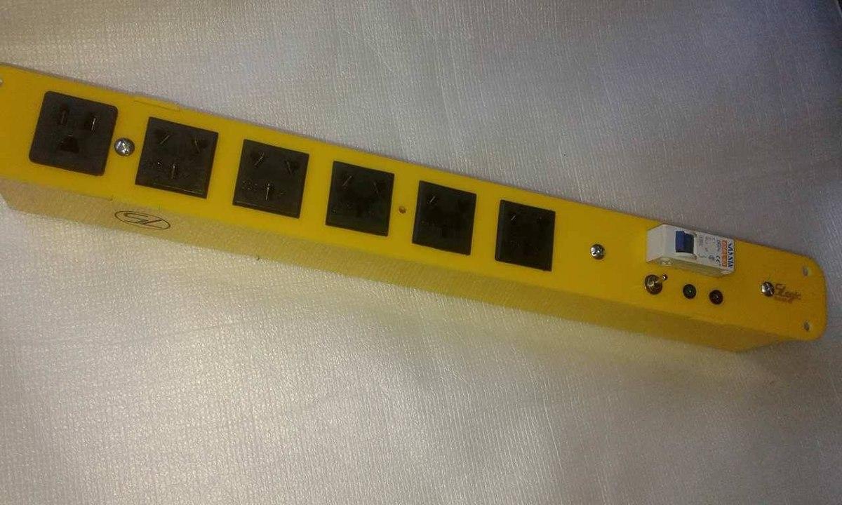Circuito Zapatilla Electrica : Canal de tension zapatilla tomas con termica slogic
