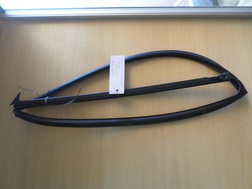 canaleta d/porta traseira/direita/c/borracha/corolla xei 2.0
