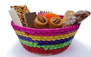 canasta con dulces típicos mexicanos