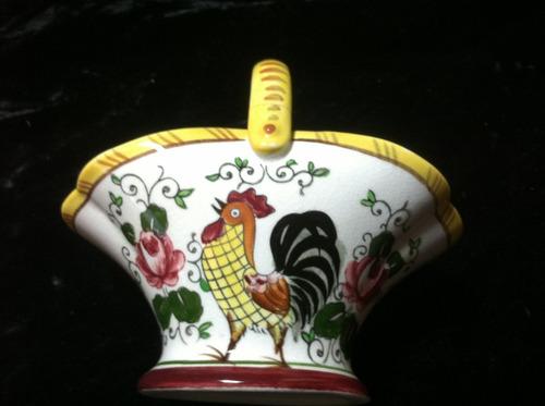 canasta de gallos ceramica