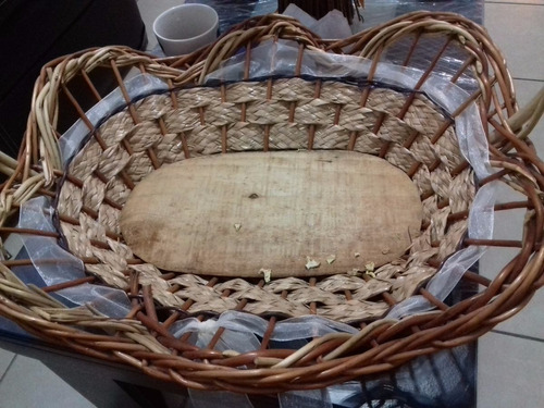 canasta de palma y bambú