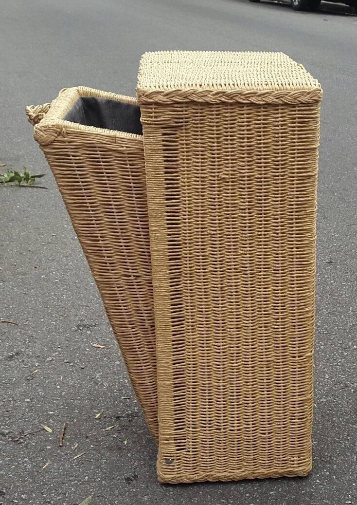 Cestos de mimbre para ropa cesto ropa marrn bretaa mueble plancha madera gris con cestas - Cesto ropa mimbre ...