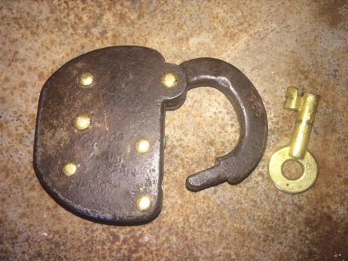 candado antiguo