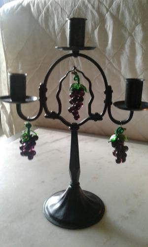 candelabro de hierro antiguo c/uvas