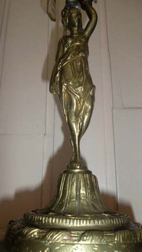 candelabro precioso de bronce