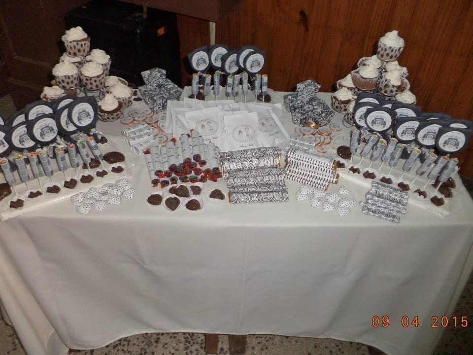 Candy bar fuente chocolate mesas dulces ni os 15 a os for Fotos de mesas de chuches para bodas