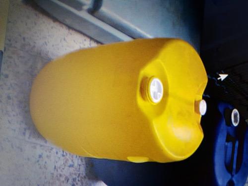 caneca plastica usada de 15 gls sellada