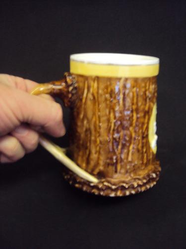 caneco chopp com veados e alça em forma de chifre de cervo