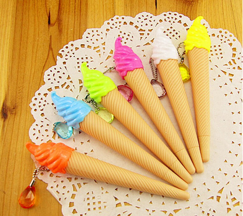 canetas esferográfica escola