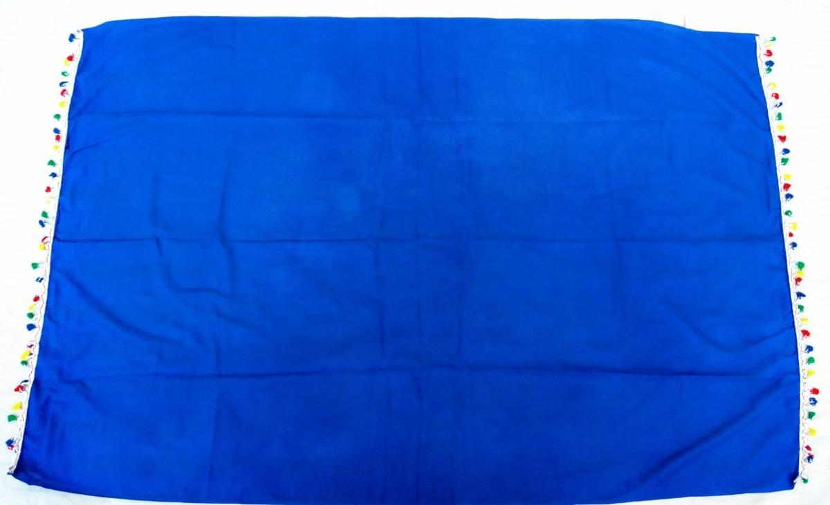 14ecd8712872 canga de praia lisa azul marinho com franja colorida. Carregando zoom.