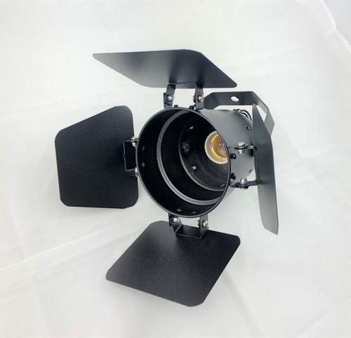 canhão refletor par 30 preto com bandeira barndoor integrado