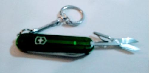 canivetes suiço victorinox j384 classic verde claro 8 f