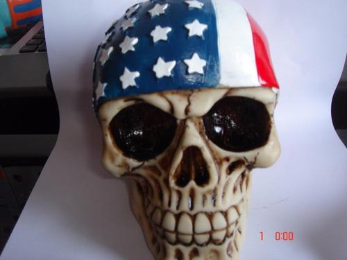 cannio bandeira eua e caveira esqueleto resina decorativo