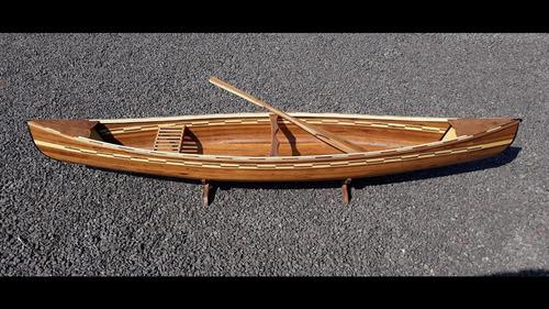 canoa canadense