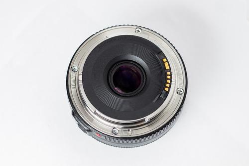 canon 40 mm f/2.8 stm  focal fija