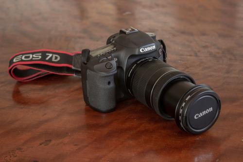 canon eos 7d body + lente 18-135