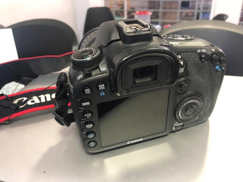 canon eos 7d + lente 18x135mm 7600 clickes