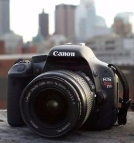 canon t2i usada