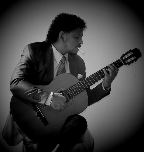 cantante, guitarrista, tecladista, trio romantico